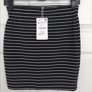 SALE💰2for$15💰Zara striped knit mini skirt